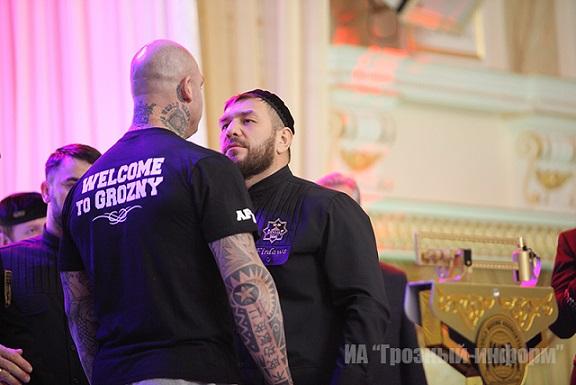 Руслан Чагаев легче Лукаса Брауна на килограмм  (3)