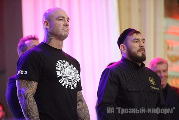 Руслан Чагаев легче Лукаса Брауна на килограмм  (1)