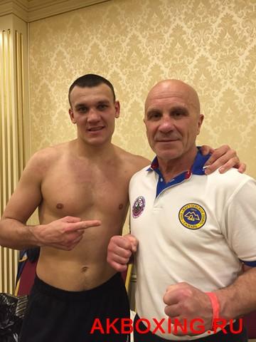 Максим Власов в сложном бою победил Юрия Быховцева  (2)