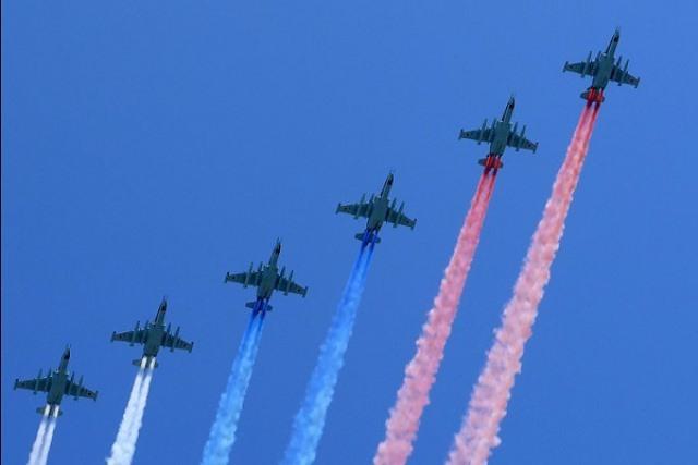 В Москве состоялся 71-й военный парад в честь Дня Победы! (1)