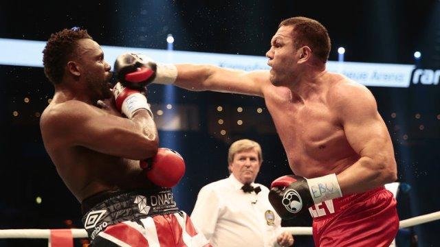 Кубрат Пулев победил Дерека Чисору раздельным решением судей
