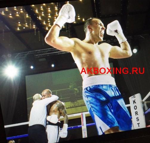 Максим Власов нокаутировал Исмаила Силлаха в третьем раунде (2)