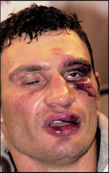 Бокс в этот день: Как подрались Леннокс Льюис и Виталий Кличко (1)