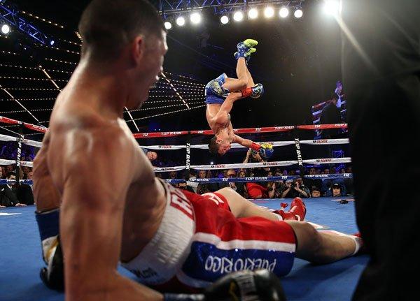 Василий Ломаченко нокаутировал Романа Мартинеса в пятом раунде (1)