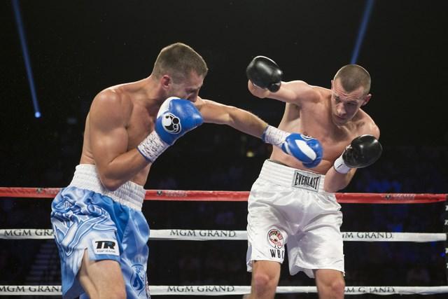 Александр Гвоздик побывал в нокдауне, но победил Карпенси (1)