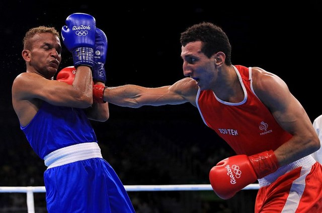 Последний боксер-профессионал Амнат Руенроенг покинул Олимпиаду в Рио (1)