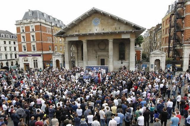 Геннадий Головкин и Келл Брук собрали тысячи людей на улицах Лондона (1)