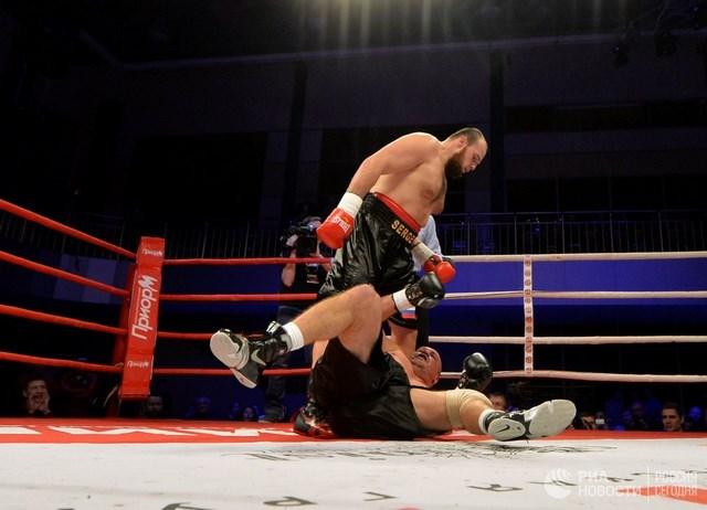 Дмитрий Бивол и Сергей Кузьмин побеждают в Екатеринбурге (3)
