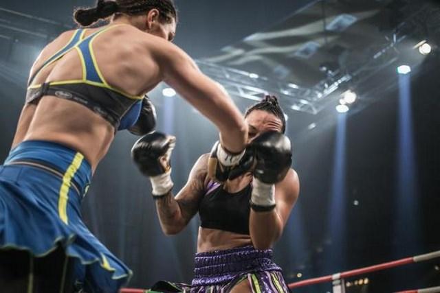 Кристина Хаммер защитила титулы чемпионки Мира WBC и WBO (1)