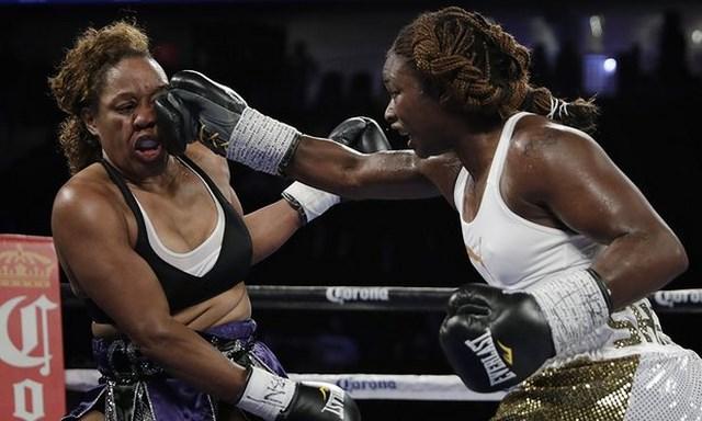 Кларесса Шилдс выиграла первый бой на профессиональном ринге (1)