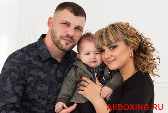 Романов Евгений и семья