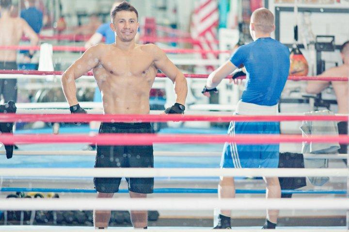 Геннадий Головкин продемонстрировал свои мускулы (4)