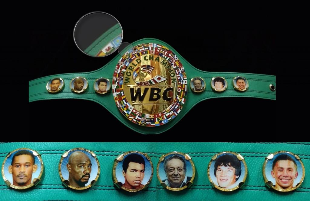 Геннадий Головкин и флаг Казахстана включены на пояс WBC (1)